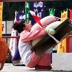 90キロの大鏡餅ヨッコラショ 伏見・醍醐寺