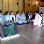 雅びな蛍火で茶会 下鴨神社