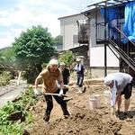 ボランティアがゲリラ豪雨被災地支援 共産党が呼びかけ、共同して活動