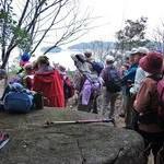 琵琶湖の沖島を眼下に奥島山を歩く ハイクファミリー3月例会