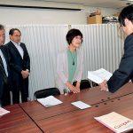 高浜原発4号機再稼働、知事は反対表明を 北部住民が署名2800人分提出
