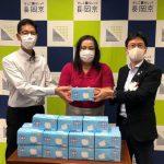 「生活困窮者にマスク届けて」コンビニ店経営女性が長岡京市に1000枚寄贈