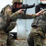 京丹後米軍基地 「戦場」になる危険性示す 銃撃戦想定し防御訓練