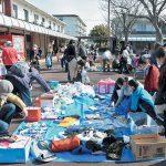 食料も子ども服も「ありがたい」 西京区で初開催「食材支援プロジェクト」 200人以上が参加